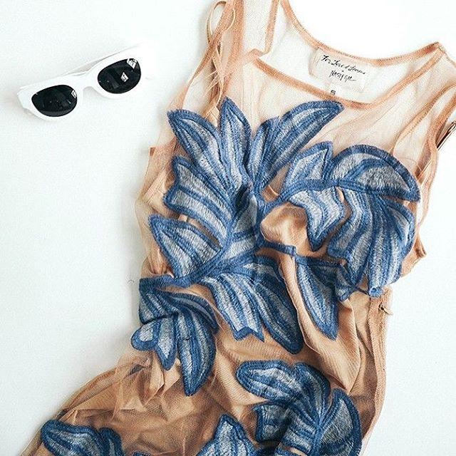 Nude looks | @forloveandlemons  #nude #mesh #floral #blue #sunnies #sunglasses #beach #beachwear #beachlife #summer #vibes #dress #fashion #chic #style #cabanashow