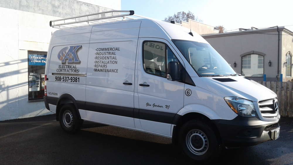 MERCEDES SPRINTER WITH A HIGH QUALITY PRIME DESGN LADDER RACK!