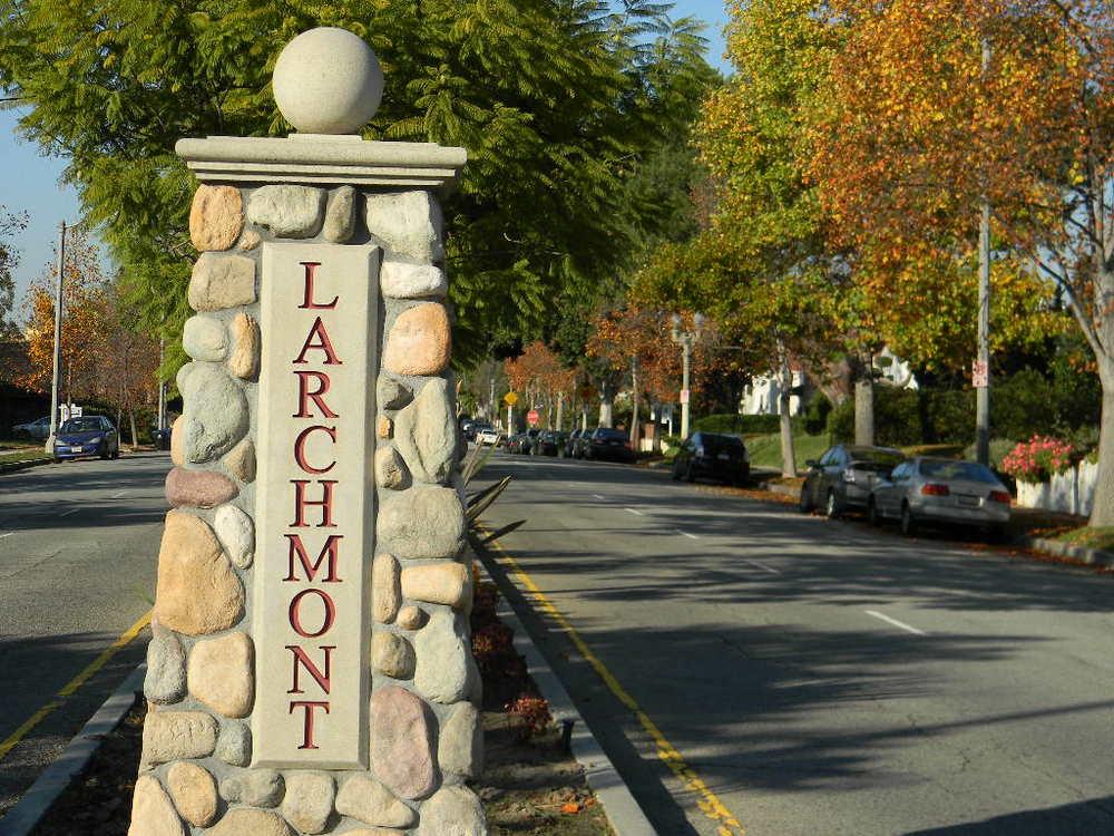 Larchmont Village.jpg