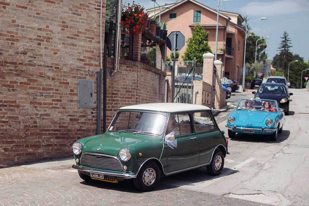 57_wedding_marche_mini  car .jpg