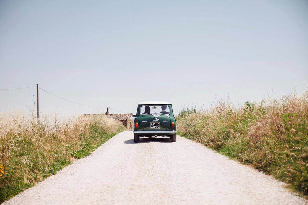 113_wedding_marche_just married mini.jpg