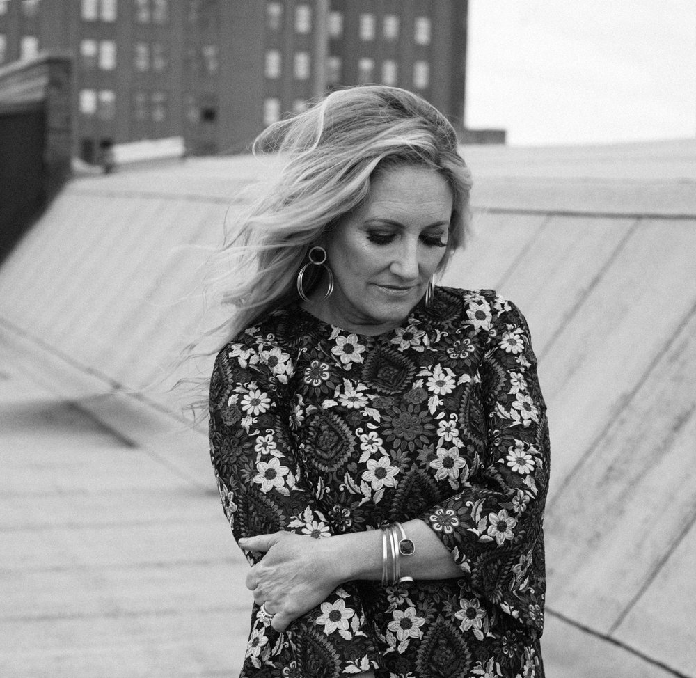 LEE ANN WOMACK | SINGER-SONGWRITER