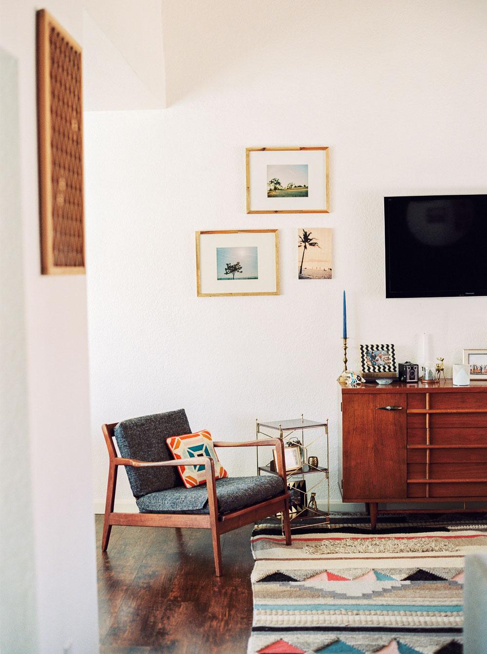 mid century modern living room-11.jpg