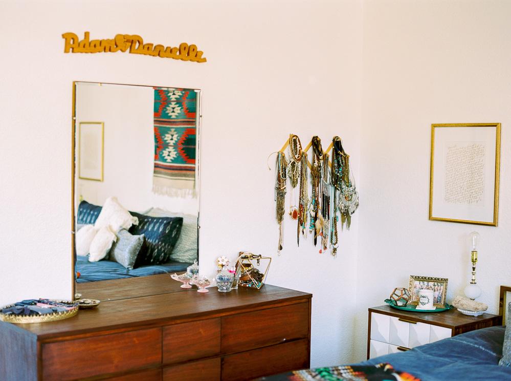 Mid century modern bedroom-11.jpg