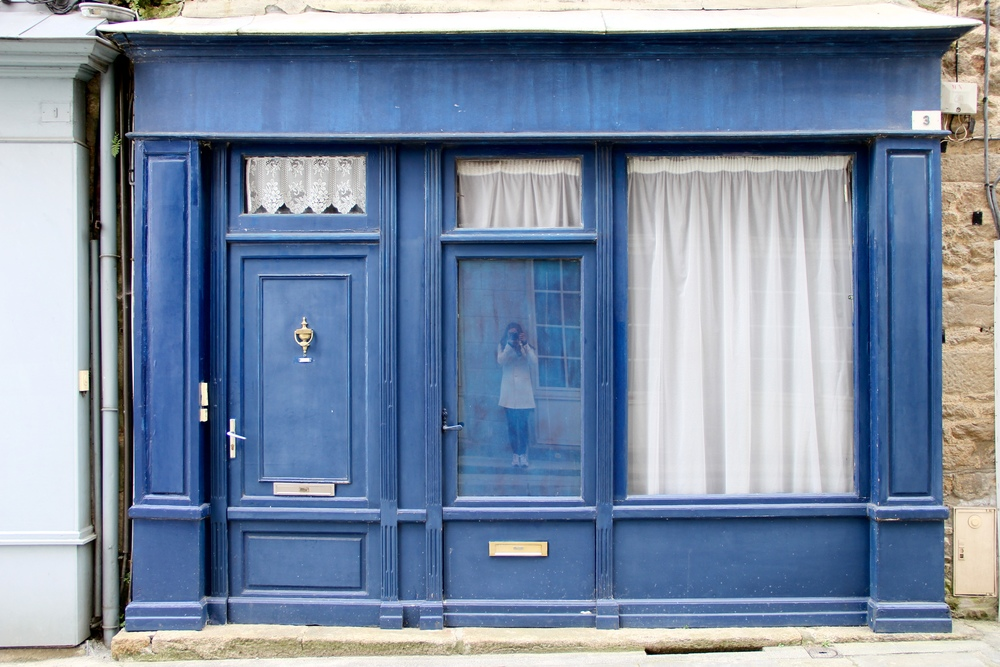 Blue facade in Dinan, France