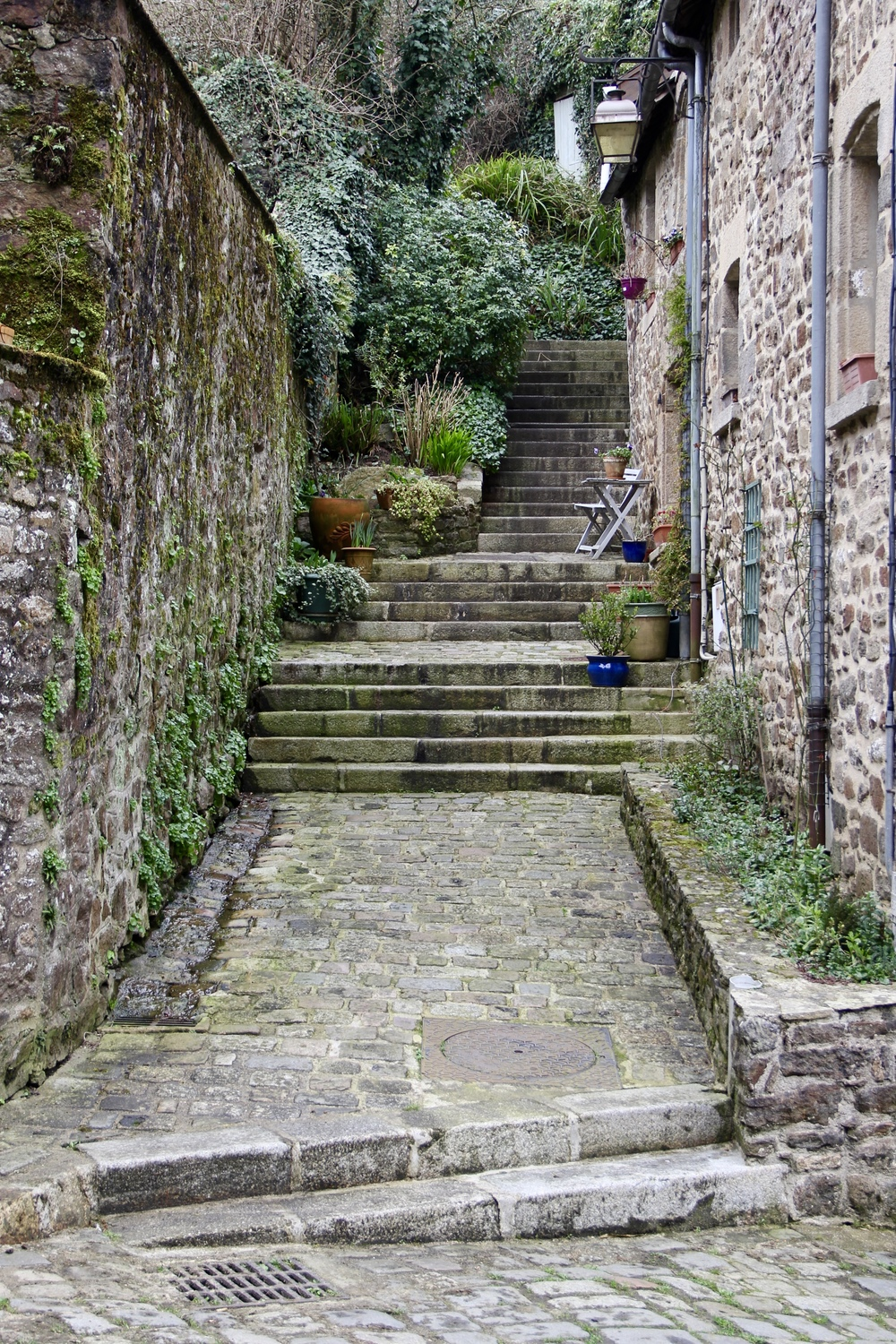 Stone steps along Rue du Petit-Fort