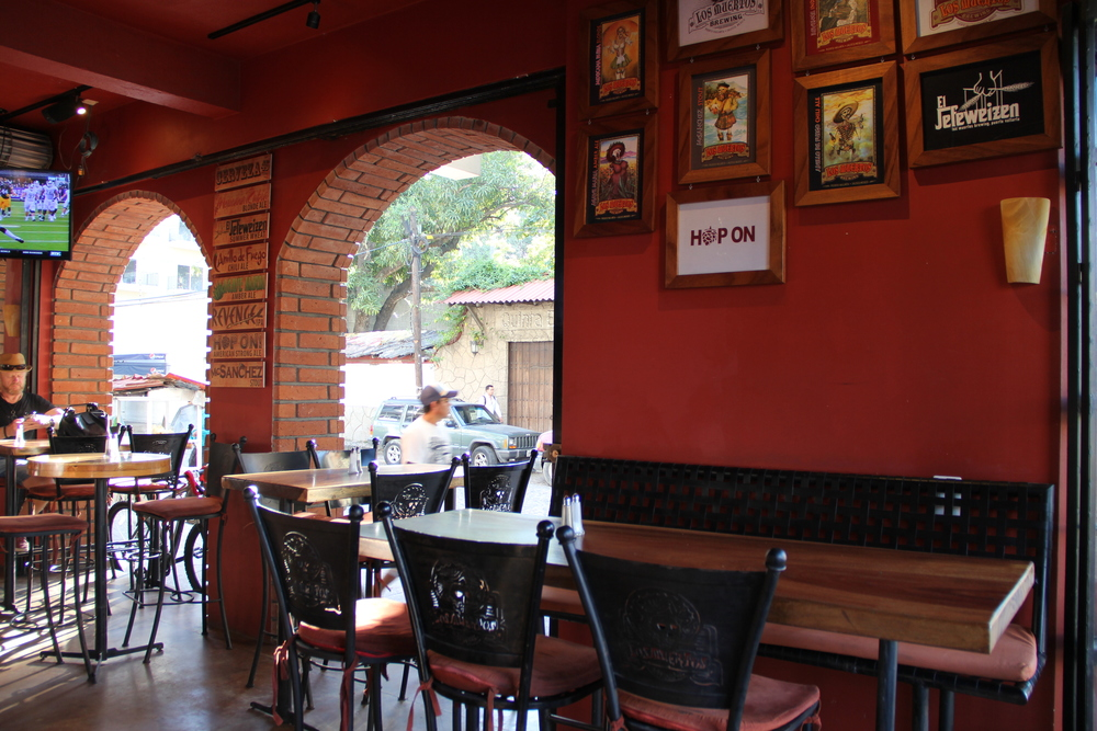 Open air seating at Los Meurtos Brewery