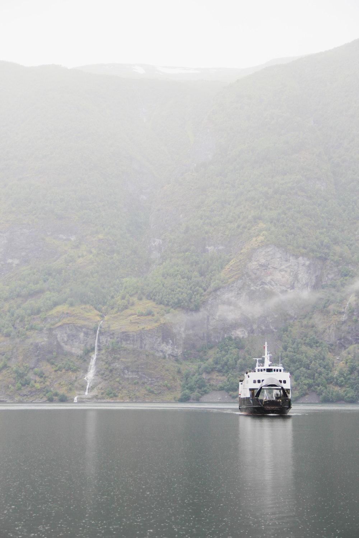 Naeryfjord-3.jpg