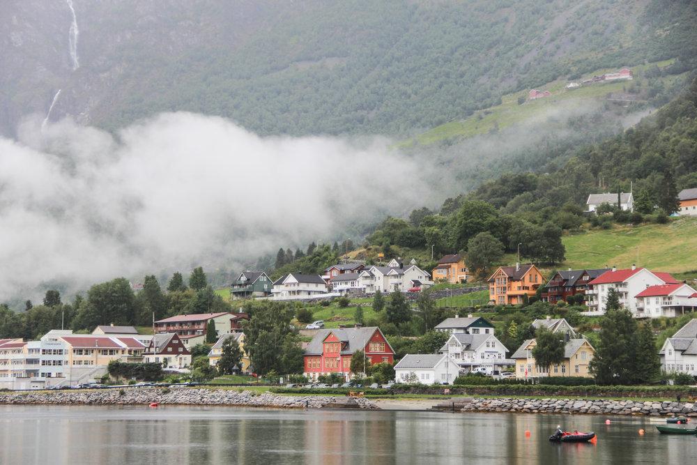 Naeryfjord-2.jpg