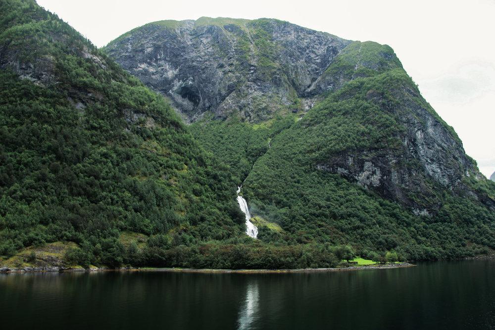 Naeryfjord-24.jpg
