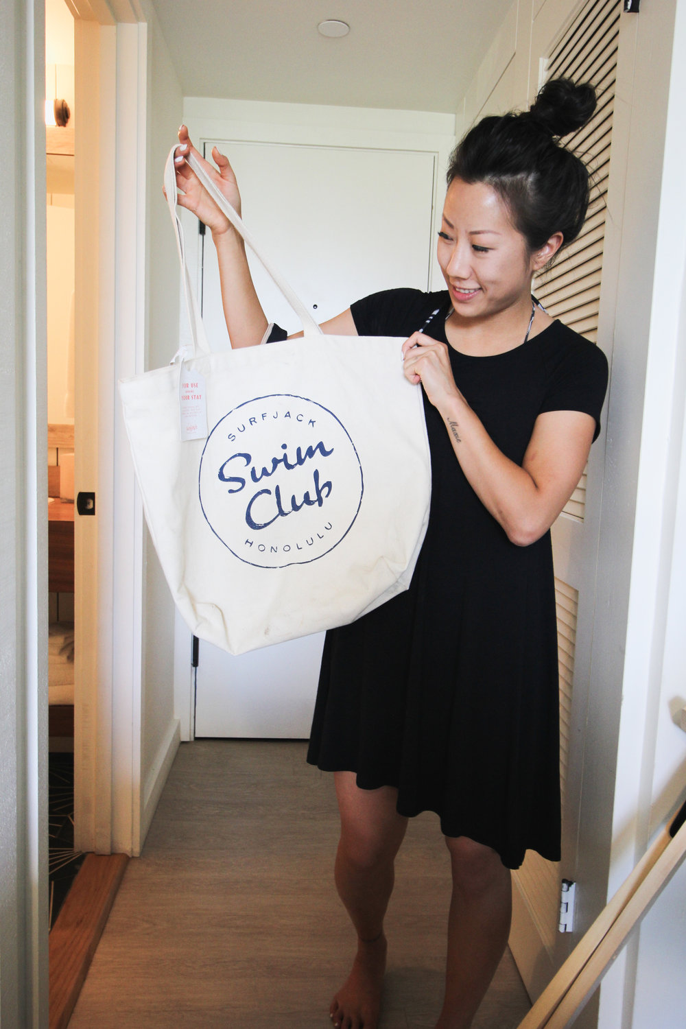 Laura with our Surfjack Swim Club tote