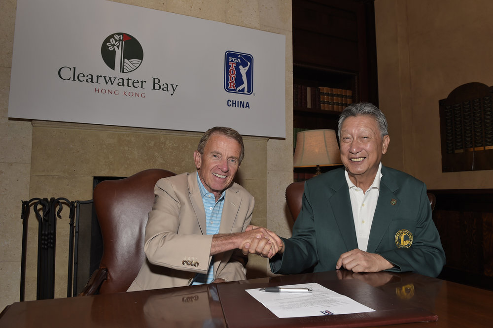 PGA Tour commissioner Tim Finchem (left) and The Clearwater Bay Golf & Country Club Chairman Wyman Li following the agreement announcing a PGA Tour China Series event at the club.