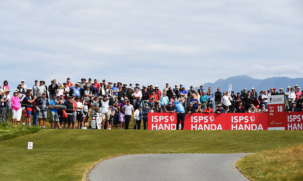 Crowds in attendance for the last New Zealand Open.  PHOTO: Photosport