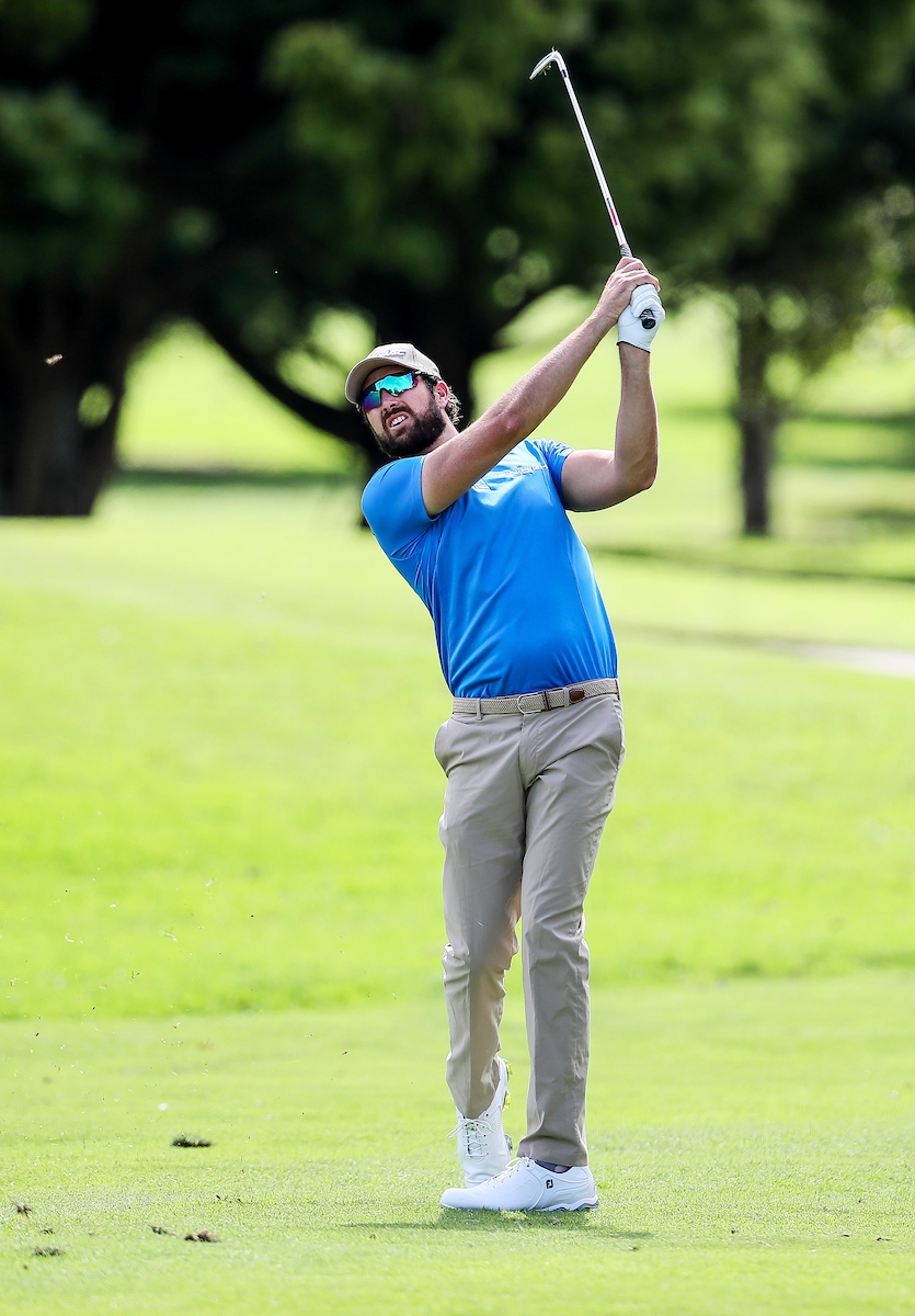 Hawke's Bay professional Daniel Pearce on his way to his victory in the Akarana Open in Auckland. Photo: BW Media