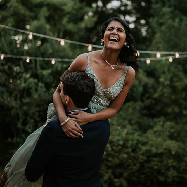 Another one of my favorite shots from Swathi and Steven's big day! ✨ (second shot with the talented @katyrosekalleberg 💛) // I have my first wedding of the year coming up in early February and I cannot WAIT. The weekend after I'm heading to Playa del Carmen for another, and then April I head to Lodi, CA for my third. Let's friggen do this. Bring on the looooove! ❤️❤️❤️
