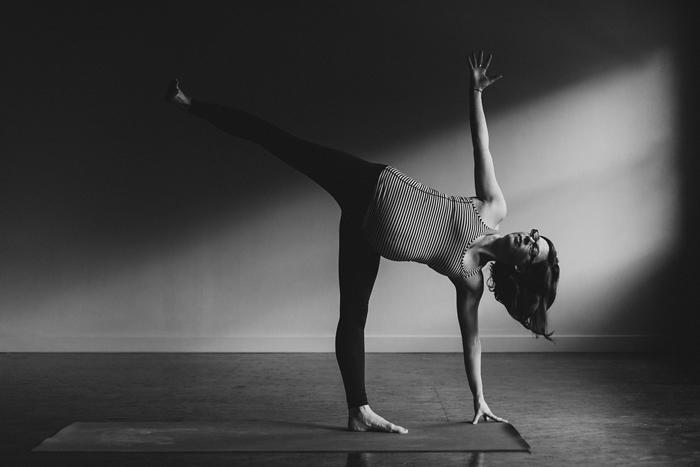 canmore-prenatal-yoga-photographer002.jpg