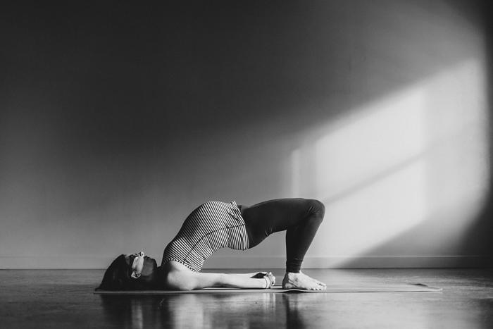 canmore-prenatal-yoga-photographer004.jpg