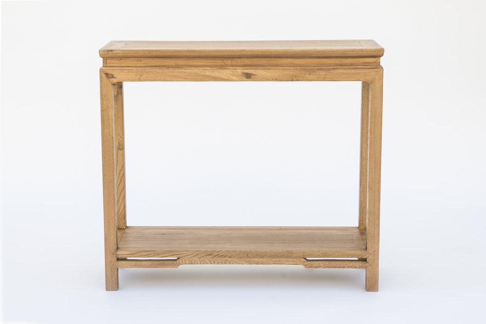 Consola en madera natural. Medidas 90x30x80  Medidas 110x40x80