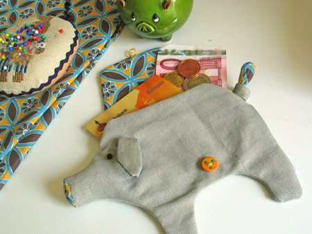 FREE PIGGY WALLET SEWING PATTERN