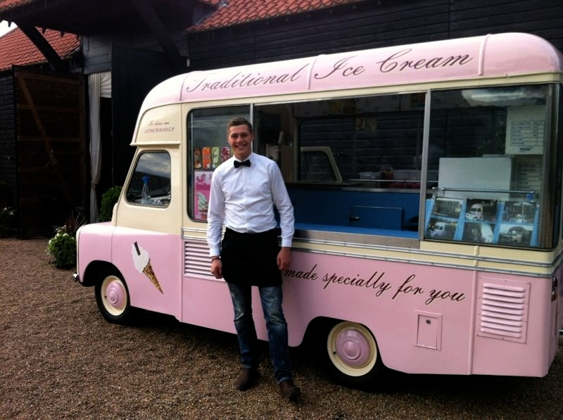 Belle - vintage ice cream van hire, Kent