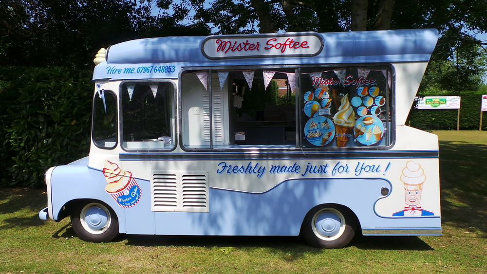 Ema - vintage ice cream van in Kent