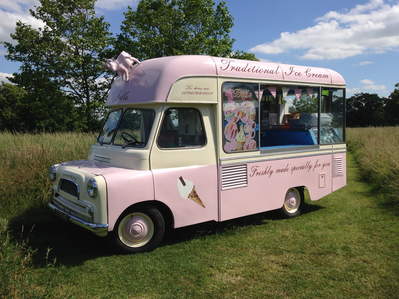 d3d3751885 Belle the vintage ice cream van.JPG