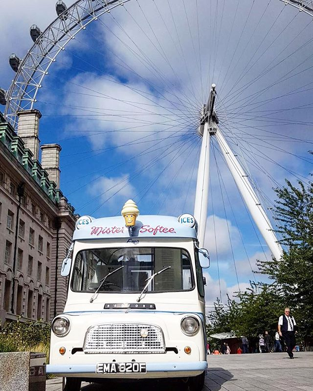 Our gorgeous 1969 Mister Softee ice cream van 'Ema' at the London Eye today 💙 #corporatevents #events #icecreamvan #vintageicecreamvan #mrsoftee #mistersoftee #london #thelondoneye