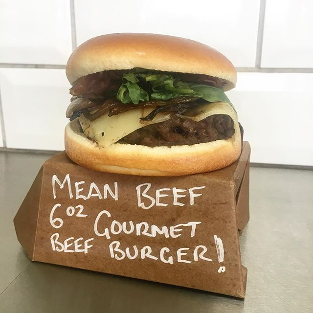 MEAN BEEF #eventcatering #streetfood #gourmetburger #beef