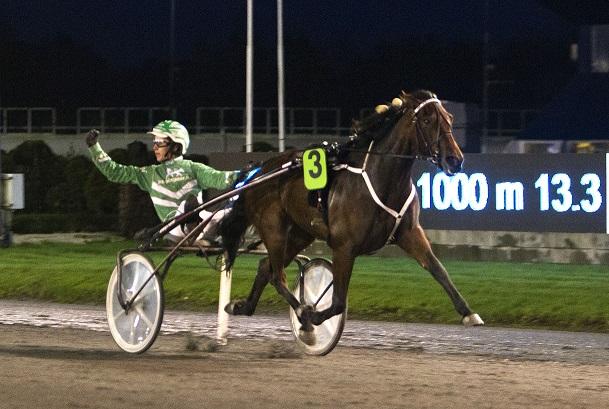Valla d'Estino setter norgesrekord nummer to for sesongen på Jarlsberg i november. Foto: Hesteguiden.com.