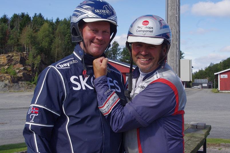Dette er to av karene du kanskje får treffe på omvisning i hesteringen lørdag 25.mars. Foto: Hesteguiden.com.
