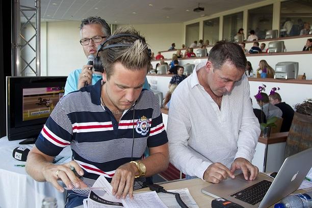 Tipsekspert Espen Edvardsen (t.v.) er til stede under kommende helgs V75-stevne på Sørlandets Travpark. Foto: Hesteguiden.com.