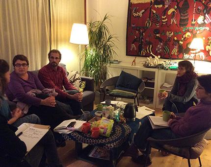 """Groupe de parole de l'association """"les Colibris"""" dans les locaux de Parole Avenir à Meudon."""