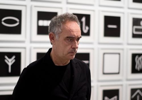 Ferran Adrià: auditando el proceso creativo Fundación Telefónica. ¿Se puede llegar a ser creativo sólo por azar? ¿Qué se necesita para alimentar la creatividad? La exposiciónFerran Adrià: auditando el procesocreativo,es el resultado surgido del trabajo de dos años del equipo de elBulliDNA.