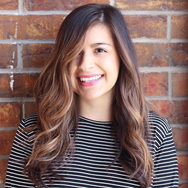 It's hard not to smile when your hair looks this good 😍 Balayage by Maddy  #loreal #schwarzkopf #redken#randco#modernsalon #btcpics #balayage#itsallgoodep #elpasohair