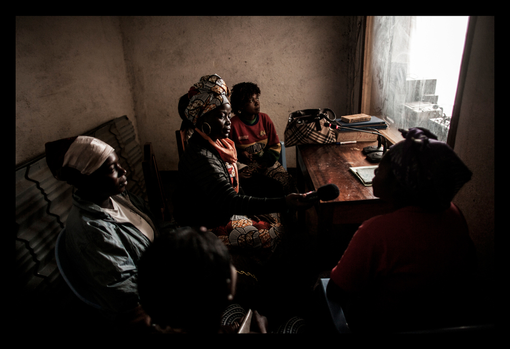 Chouchou Namegabe conducts journalism training
