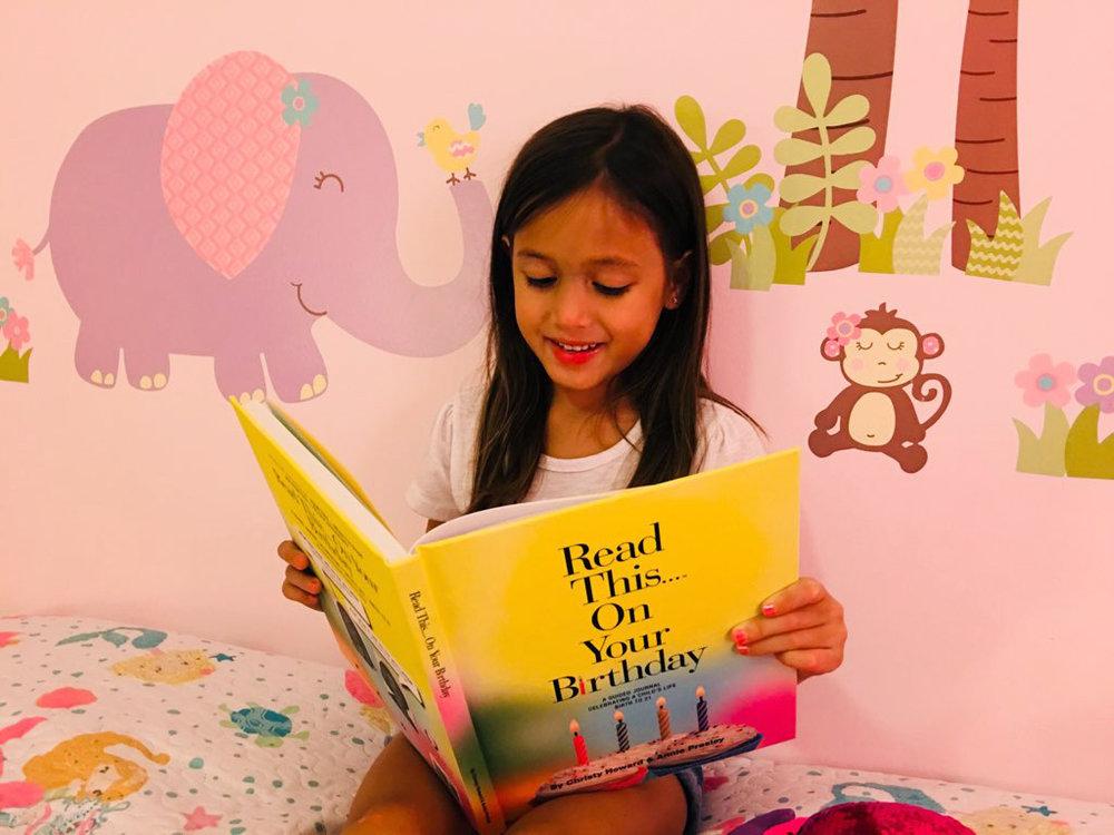 Girl_BirthdayBook.jpg