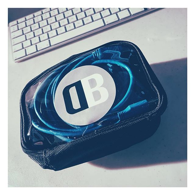 After many years, the search for the perfect tethers bag is over 🙏🏻#nerds #digitaloperator #digiop #photoassistant #photoassist #photoshoot #digitalphotography #digitaltech