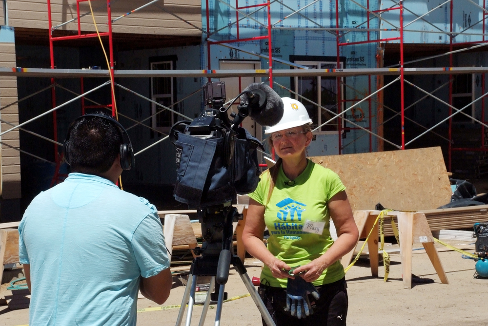 Entravision came out to the Longmont construction site to cover the team from Paraguay helping build homes with St. Vrain Habitat. Click here to view the story in Spanish.