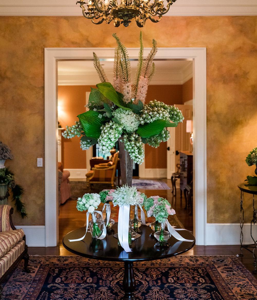 Handley Breaux Designs | 509 Photo | Mark Thompson | SHOPPE | Southern Wedding