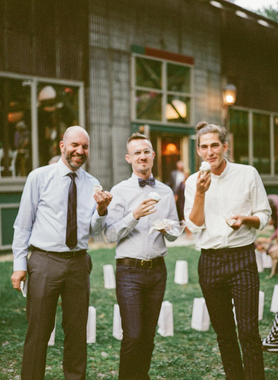 Berkshires Wedding Photographer_Race Brook Lodge_Meg Haley Photographs_029.jpg