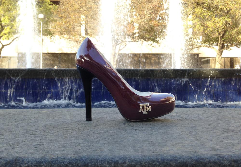 gig-em-heels-campus-fountain1200.jpg