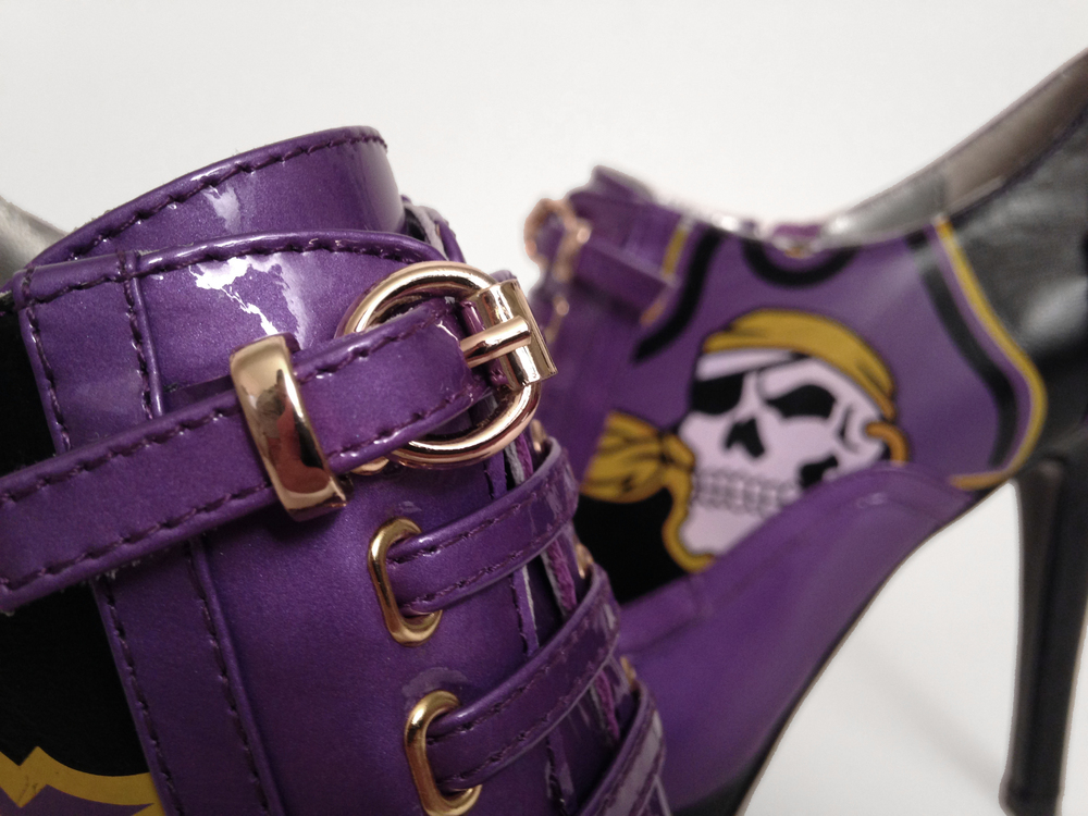 pirate-heels-pillage.jpg