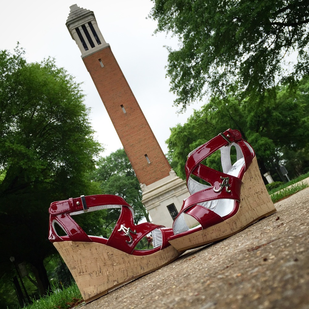 Bama Heels - Bama Wedge Photobombed by Denny Chimes