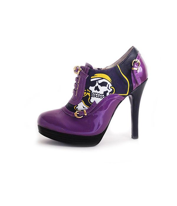 east-carolina-college-heels-fan-feet-pirate-heels-bootie 600.jpg