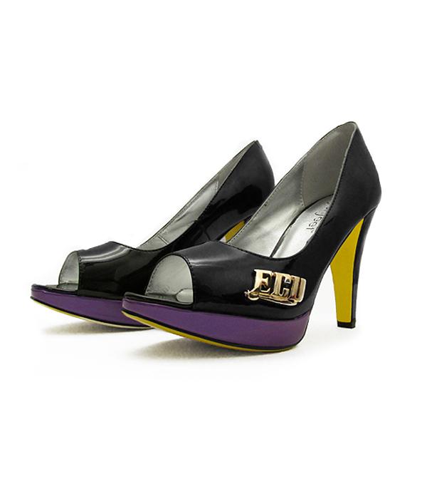 east-carolina-college-heels-fan-feet-pirate-heels 600.jpg