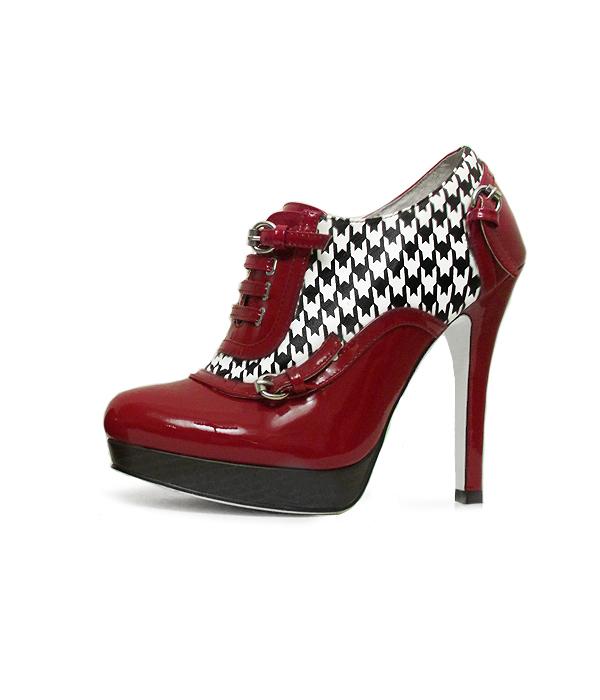 houndstooth-heels-bootie-600.jpg