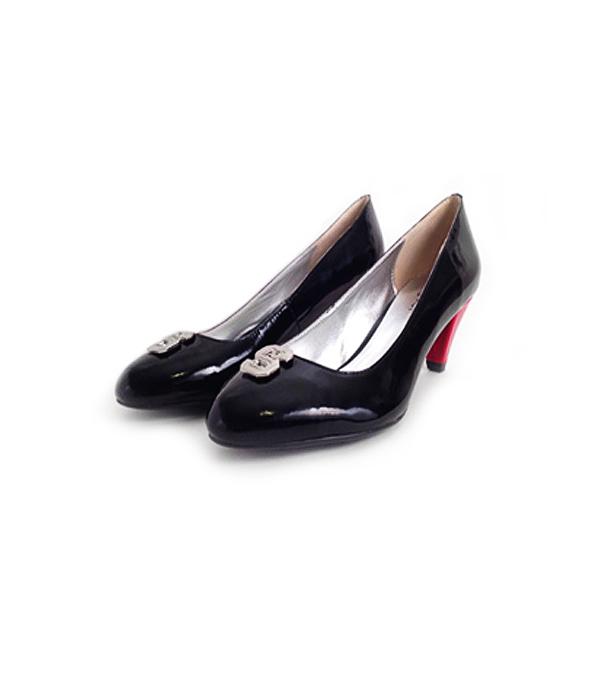 nc-state-college-heels-fan-feet-wolfpack-heels-kitten black 600.jpg