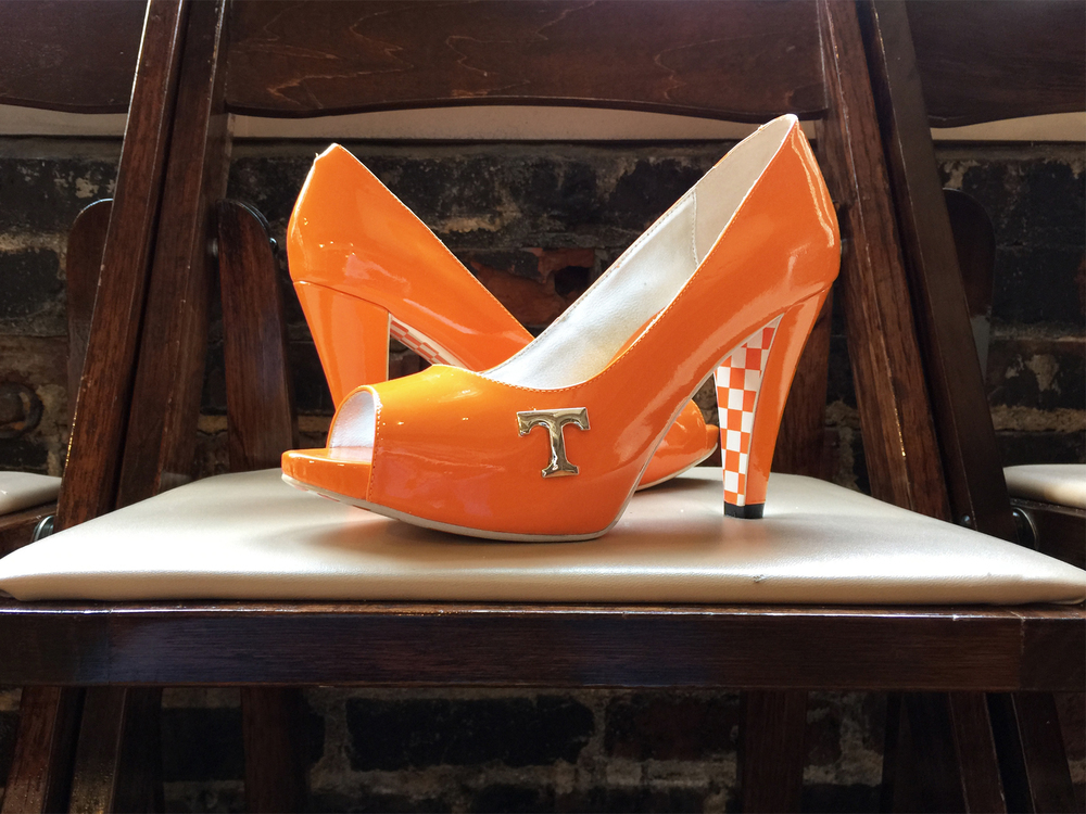 Tennessee vol heel shauna chair.jpg