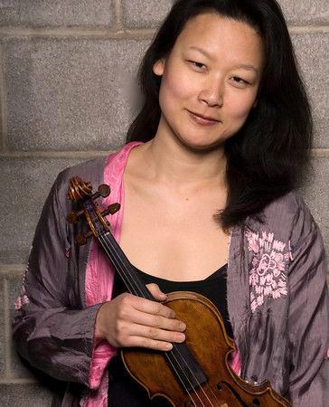 Lina Bahn, Violin