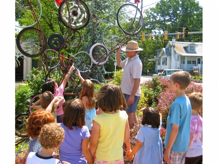 Howard Connelly shares with Tinkering at the Cooperative School campers.jpg